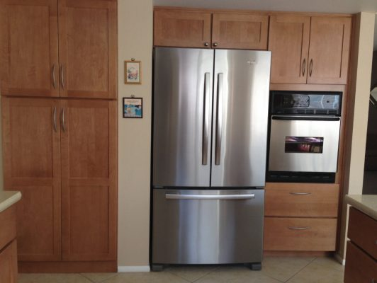 Kitchen Cabinets with Stainless Steel Appliances by Stradlings Cabinets