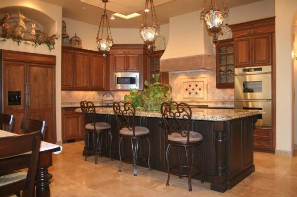 Quality Kitchen Remodels by Stradlings Cabinets