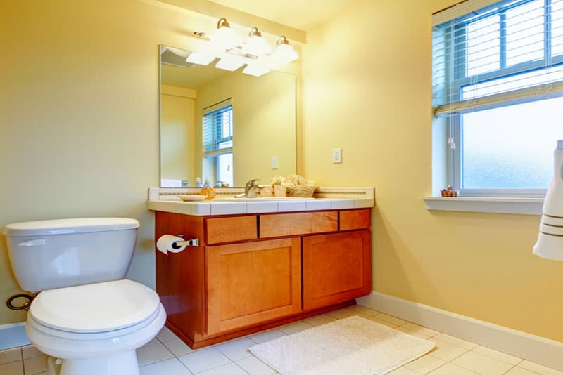 bathroom remodeling mistakes, yellow walls, Stradling's Cabinets & Remodeling, Gilbert, AZ