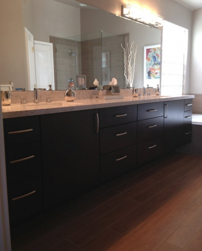 Our Custom Bathroom Cabinets Come In A Wide Variety Of Designs And Stain Colors Stradling S Remodeling Has Been Manufacturing Installing